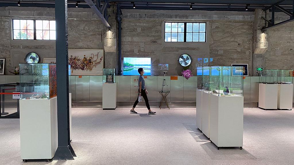 Kim Engelen, Yangpu River Museum, room-overview, Joejoe-walking, 2020