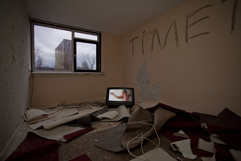 Kim Engelen, Time to Go, In situ Video installation, Delft (Netherlands) 2009
