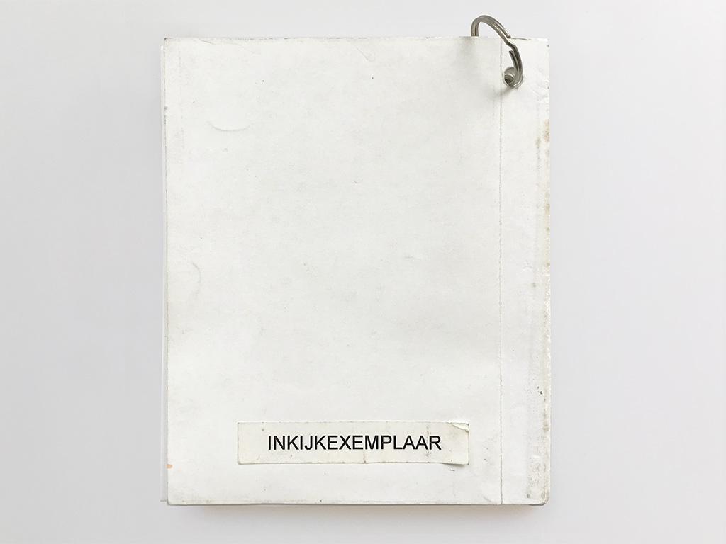 Kim Engelen, Omschrijf een Kunstenaar (English: Describe an Artist), Book 1 (Inkijkexemplaar), Backside, 1999